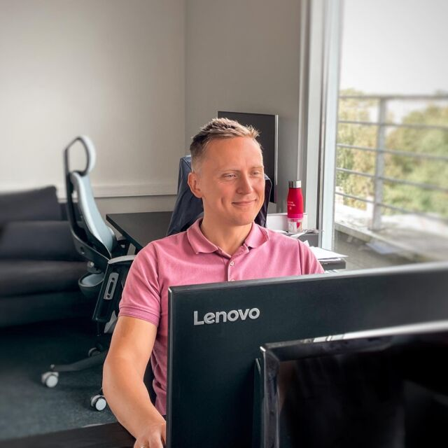 This is Erkki from Smaily (in case you were wondering who sends you those Smaily newsletters 😉). Erkki is the CEO of Smaily and one of the company's founders. He is truly the big picture guy, and he finds time to support our clients, teach people about email marketing, and keep the Smaily HQ vibes going. 🥰🥳 Oh, he's #vegan and he's definitely influenced a lot of people eating more vegan food and loving earth more. So he gets an extra point there! 🌍💚
